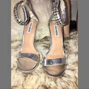 Steve Madden silver heels sandals  new size 6